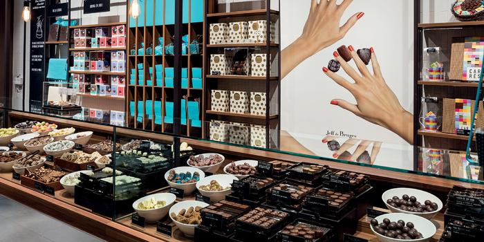 Jeff de Bruges chocolat centre commercial Bercy 2